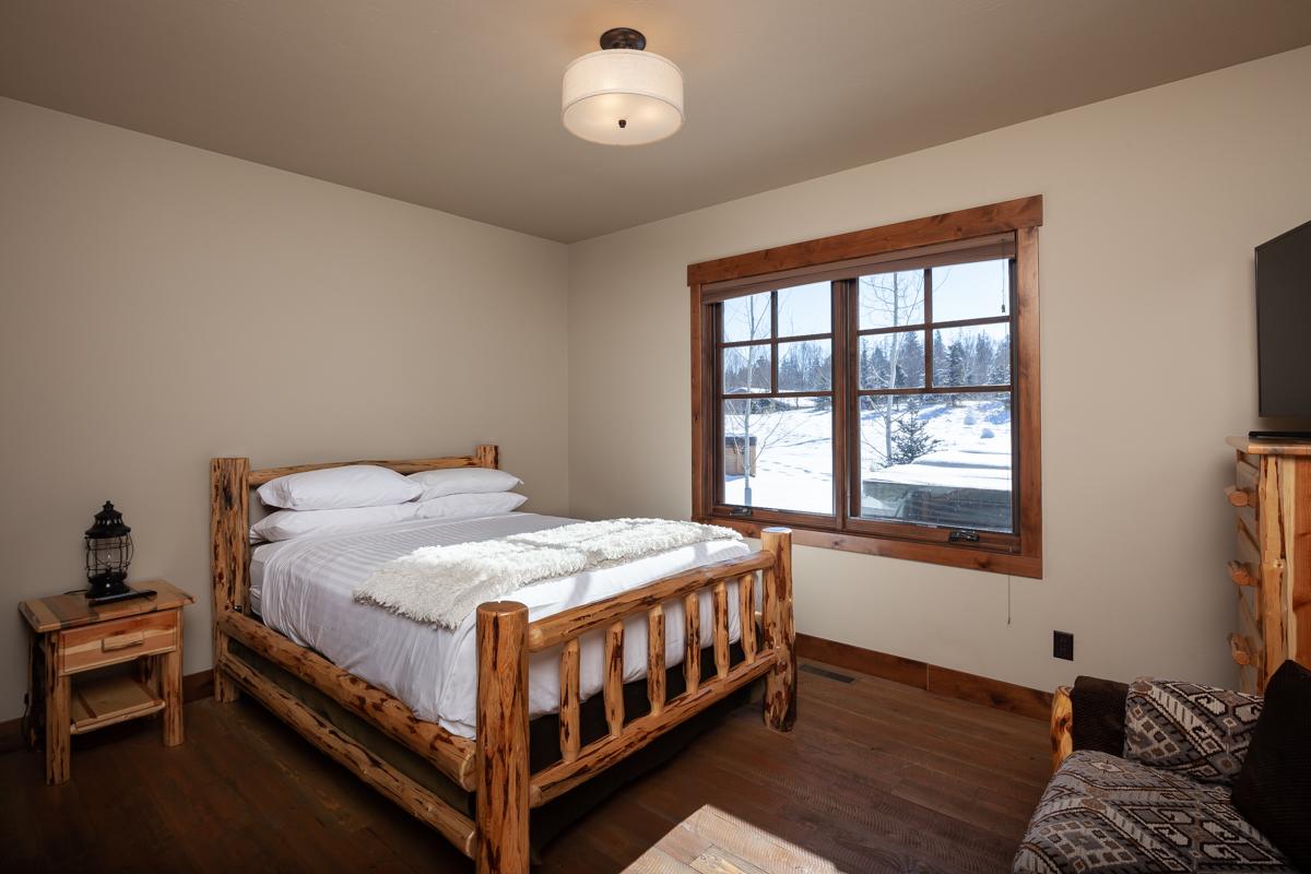 Luxury Home #14 Bedroom 3