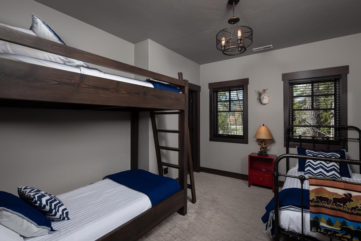 Luxury Home #1 Bunkroom – Lindsay G