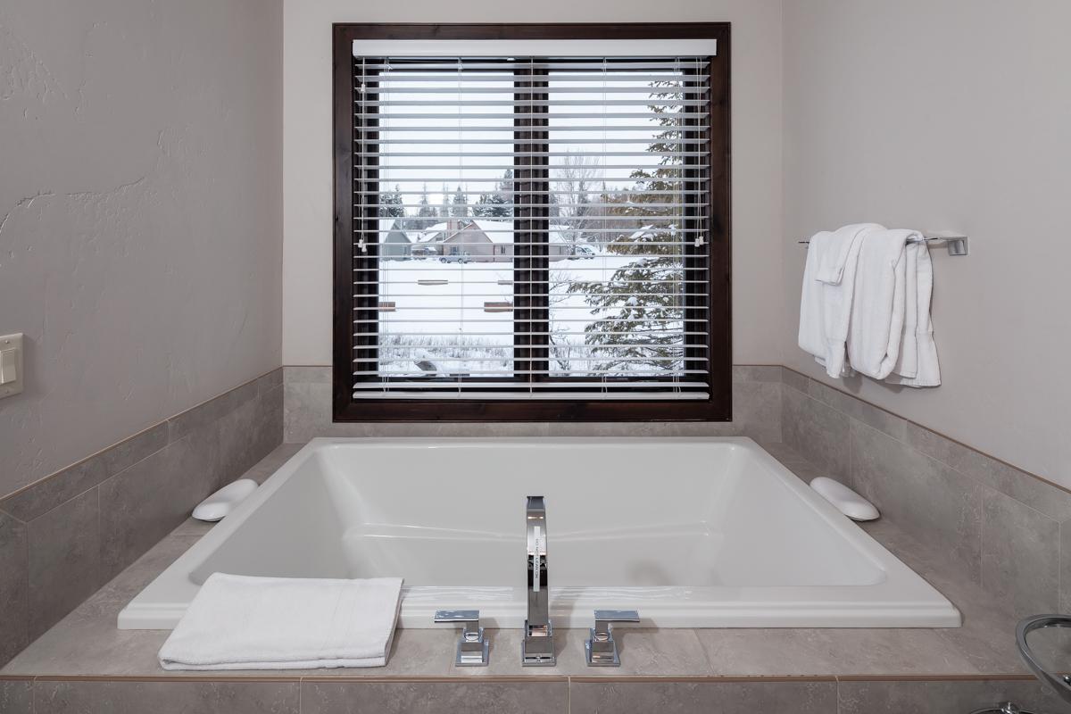 Luxury Home #10 Master Bath 2 – Lindsay G