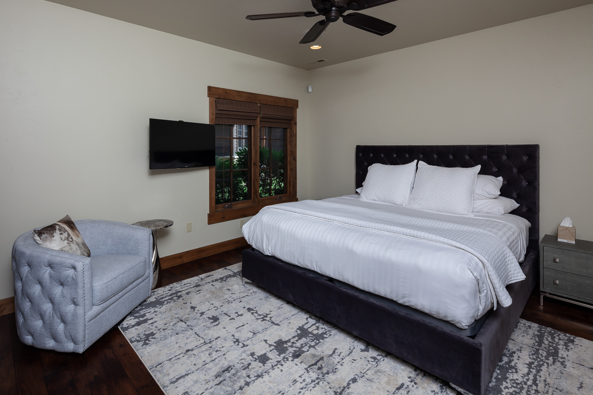 Luxury Home #7 - Bed 1 – Lindsay Goudreau