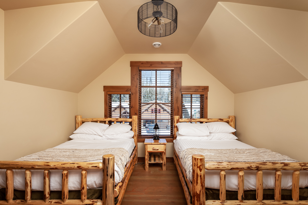 Luxury Home #14 Twin Room
