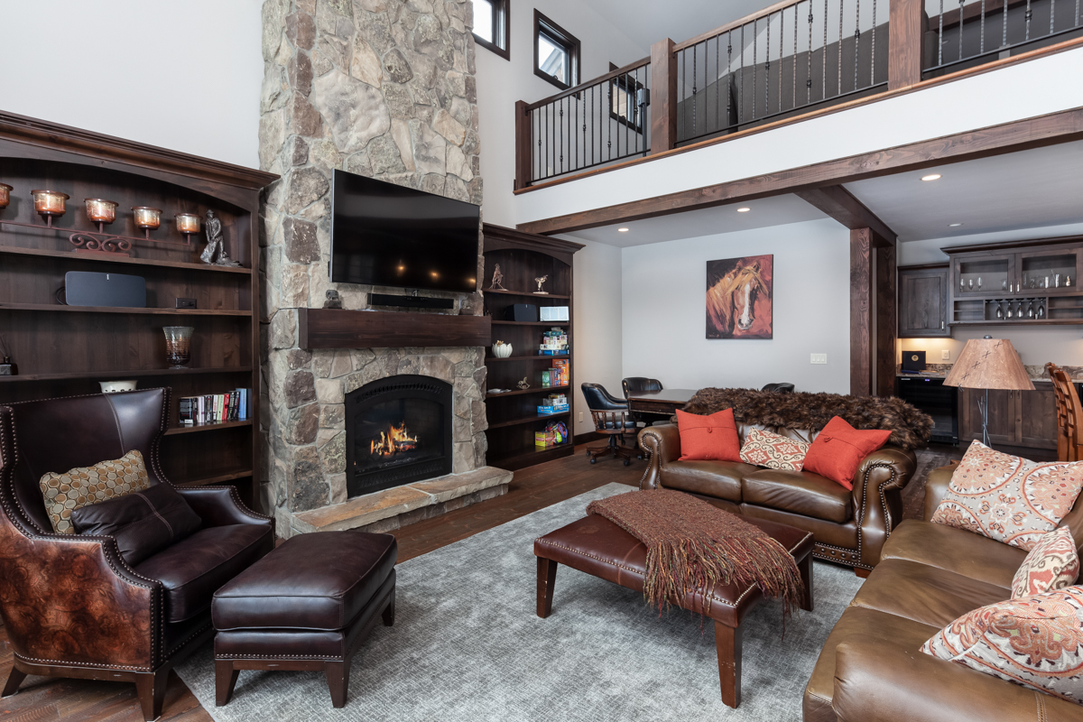 Luxury Home #10 Great Room with Fireplace – Lindsay G