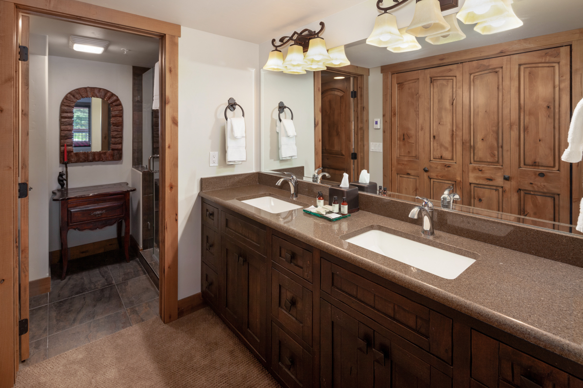 Bath 1 – Lindsay Goudreau