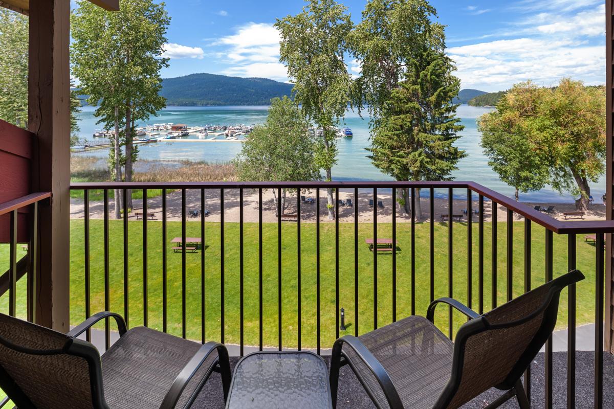 Master Bed 1 Balcony – Lindsay Goudreau