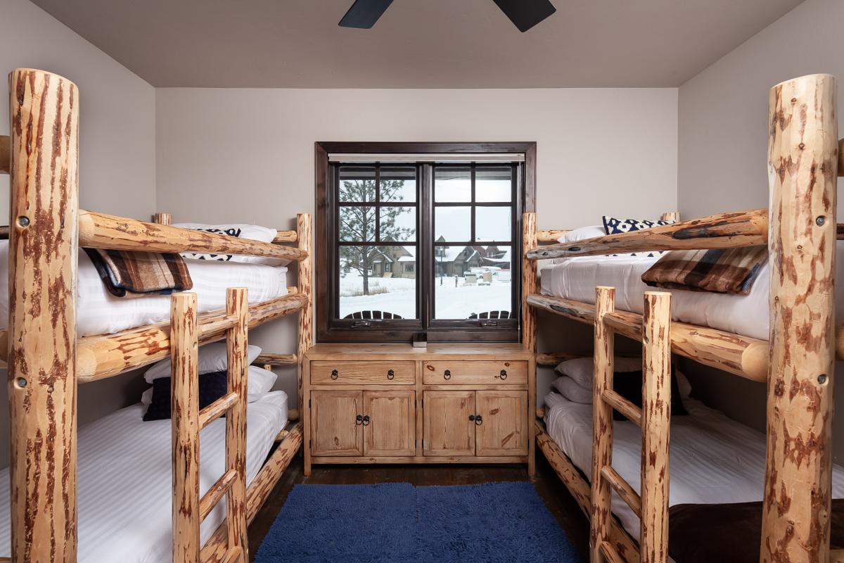 Luxury Home #10 Bunkroom – Lindsay G