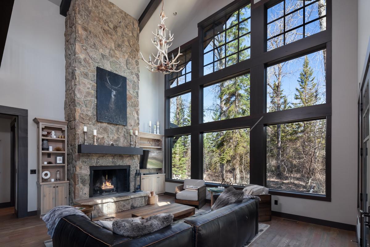 Luxury Home #1 Great Room – Lindsay G