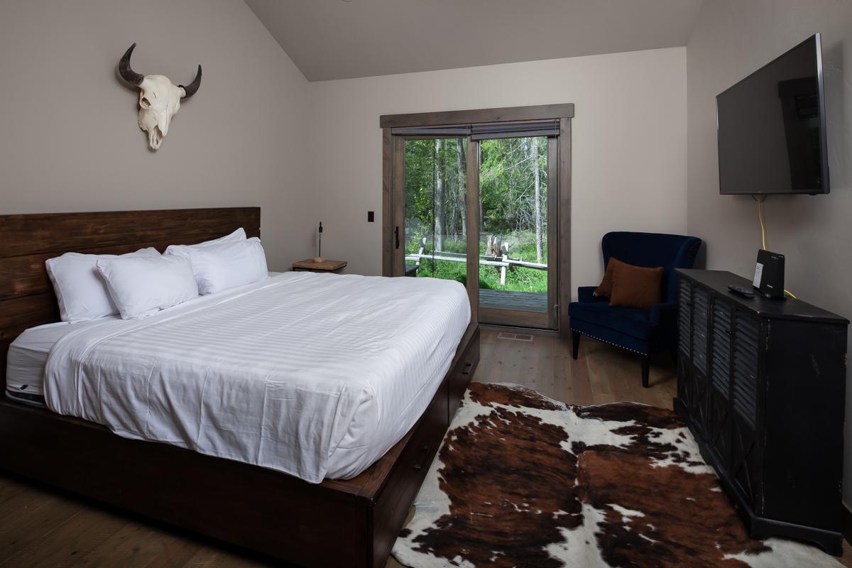 Luxury Home #3 - Bedroom 2 – Lindsay Goudreau