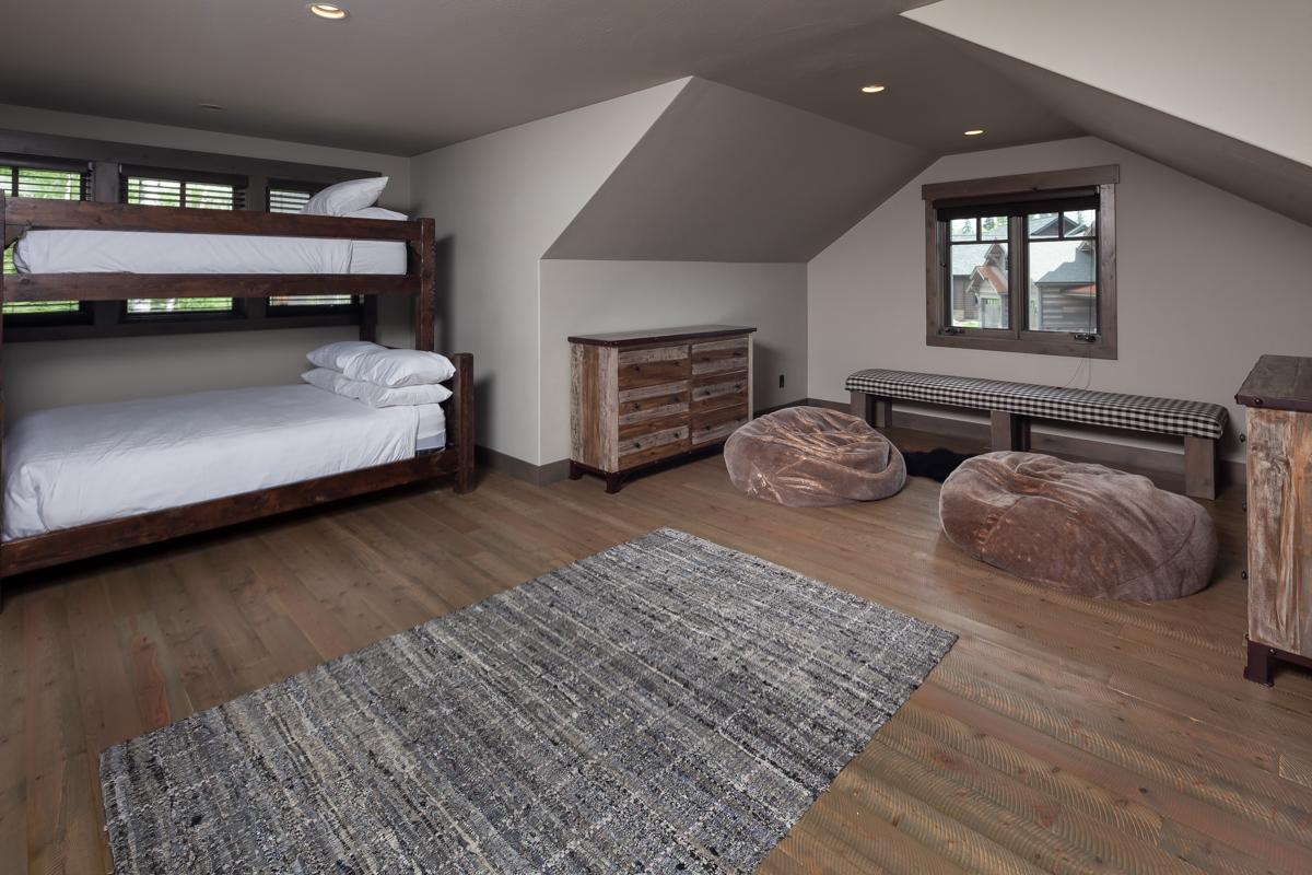 Luxury Home #3 - Bunk Room – Lindsay Goudreau