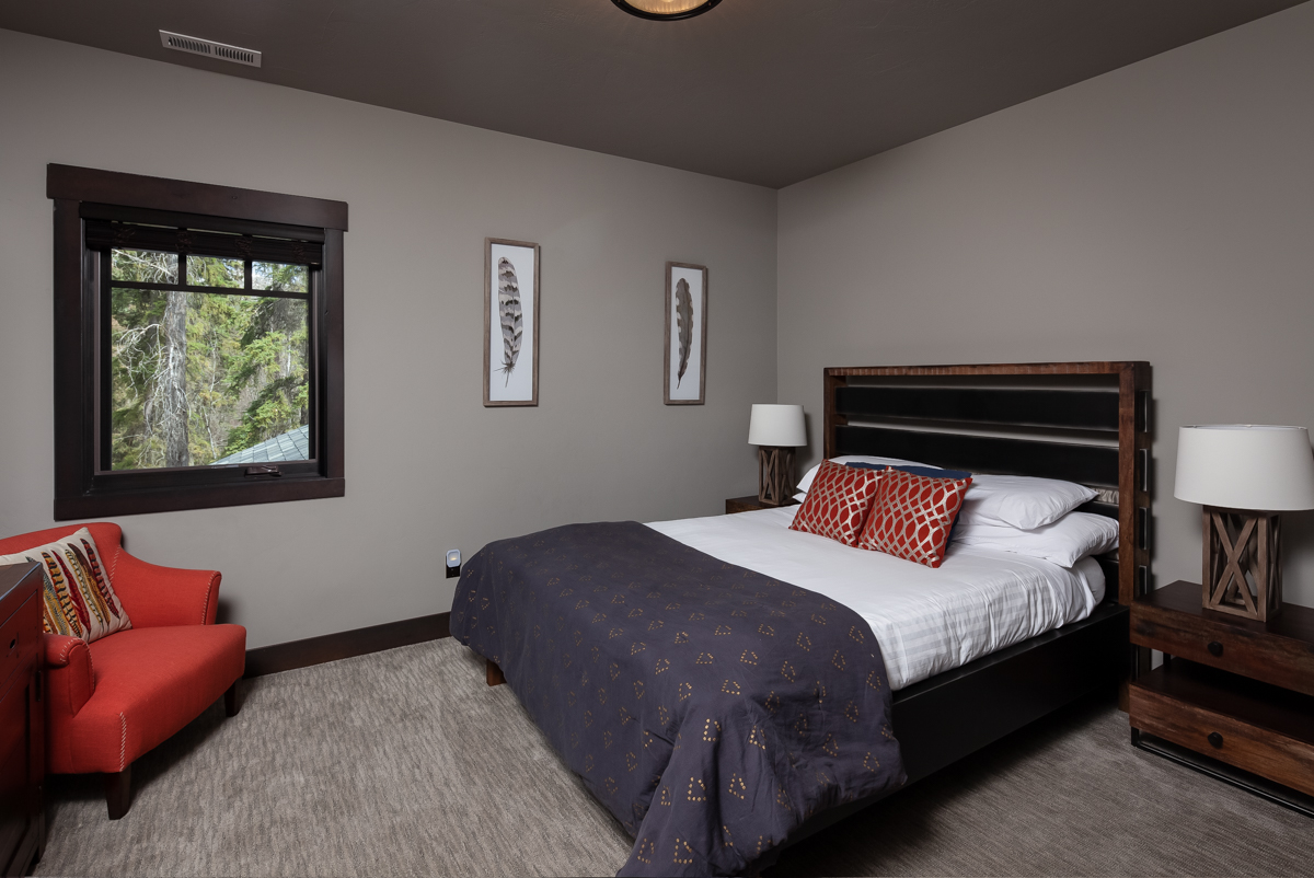 Luxury Home #1 Bedroom 2 – Lindsay G