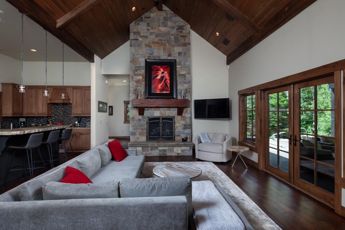 Luxury Home #7 - Great Room – Lindsay Goudreau