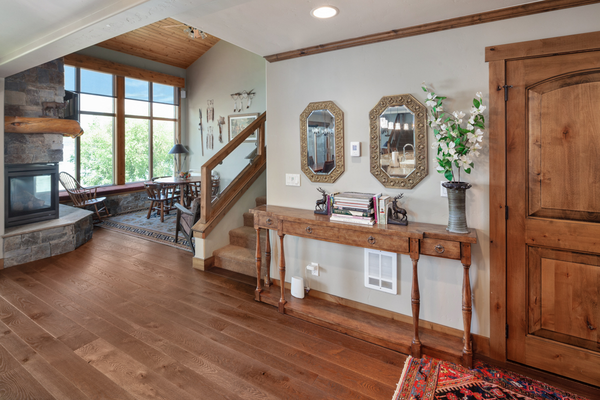 Foyer looking into second Great Room – Lindsay Goudreau