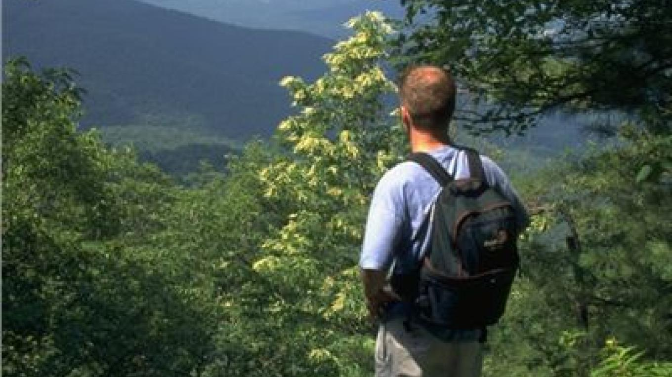 Hiking on Fort Mountain – Georgia State Parks