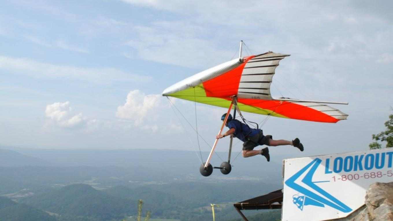 Launching from Lookout Mountain - Lookout Mountain Flight Park, Georgia