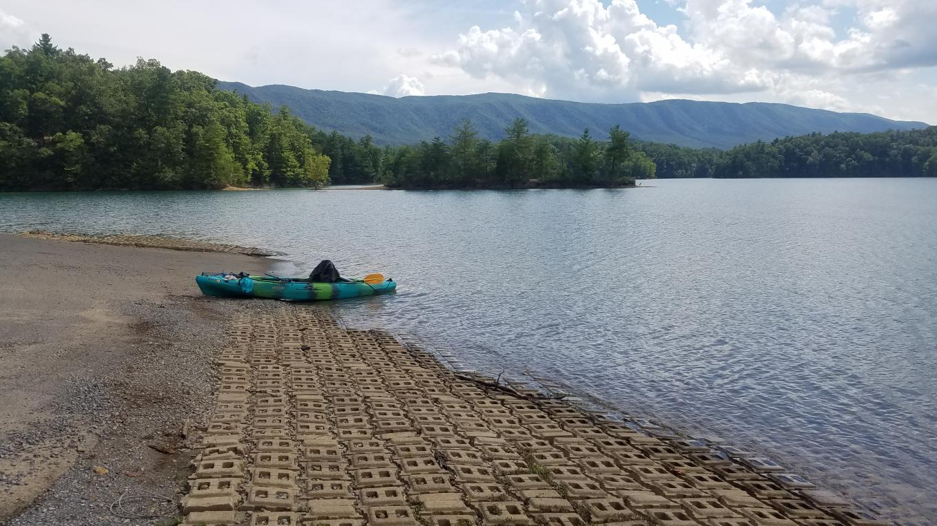 Owing to the fact that it is one of the most remote launches on South Holston Lake, the high-quality boat ramp at Little Oak Campground doesn't get particularly heavy use.