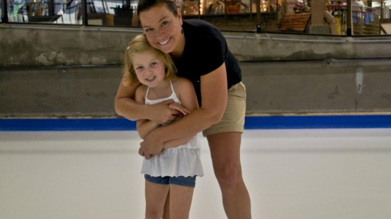 Indoor ice skating – Ober Gatlinburg