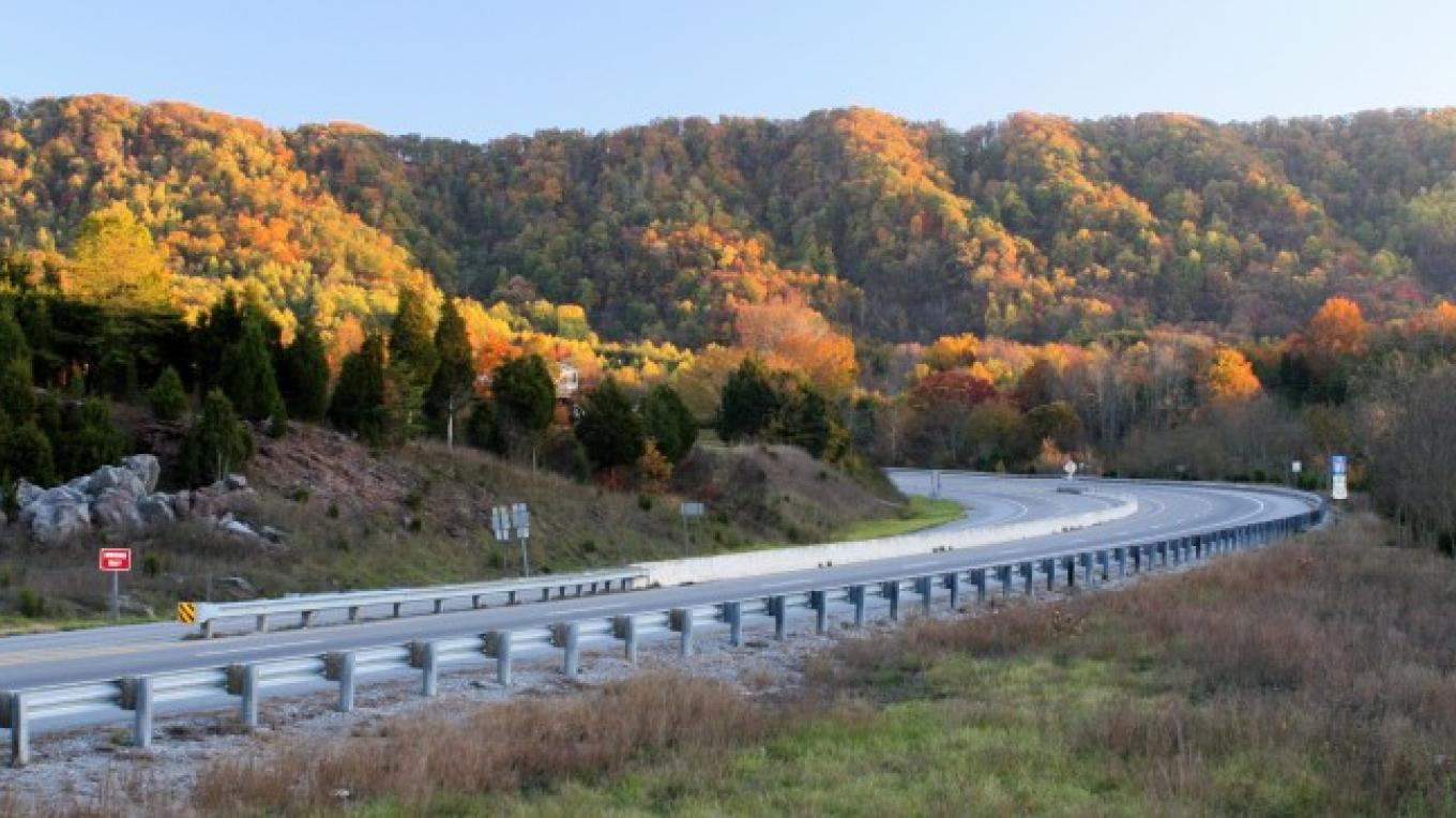 East Tennessee Crossing along Highway 25 E – Linda Lewanski