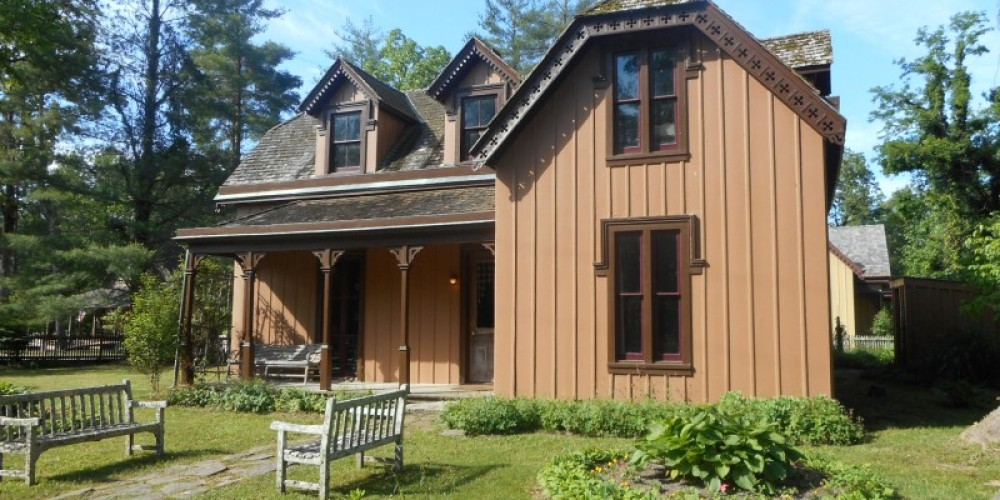 Kingstone Lisle Home of Rugby founder Thomas Hughes, beautifully preserved. – Historic Rugby
