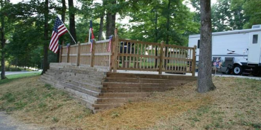 One of the campsites with deck – Roane County Parks & Recreation