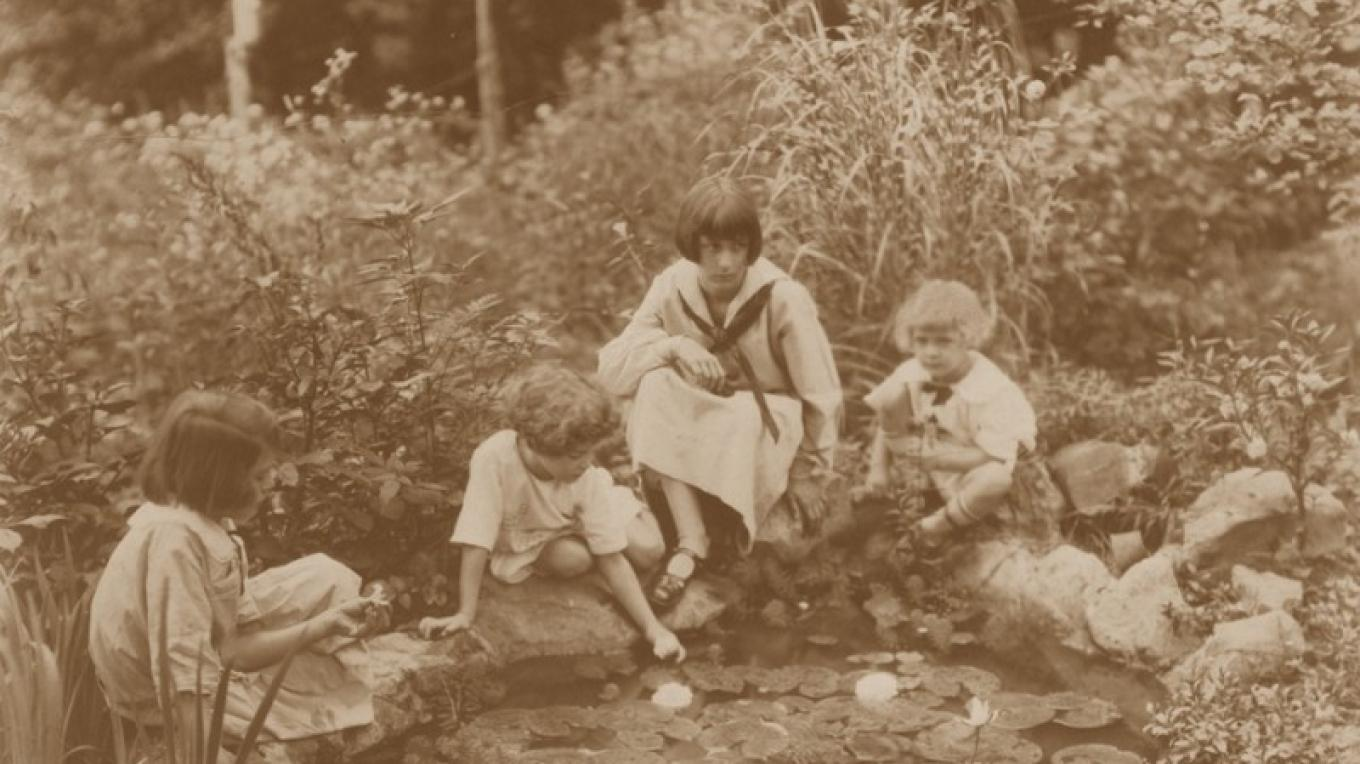 Ijams Girls, 1923. – Ijams Nature Center