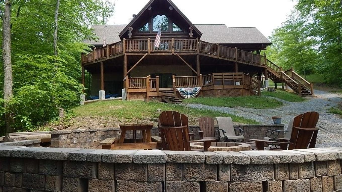 Norris Lake Cabin Rental in New Tazwell – RentTennesseeCabins.com