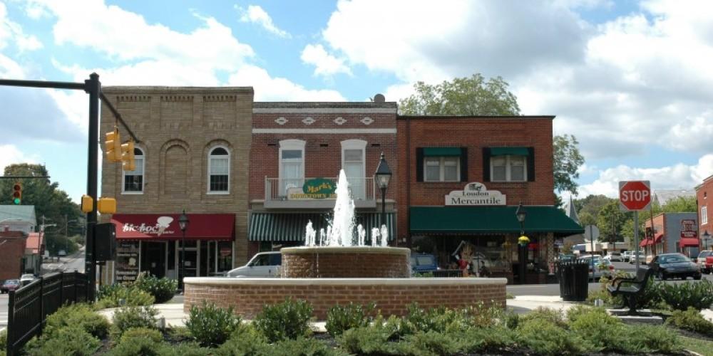 Fountain Center Historic Loudon – Judy Keller
