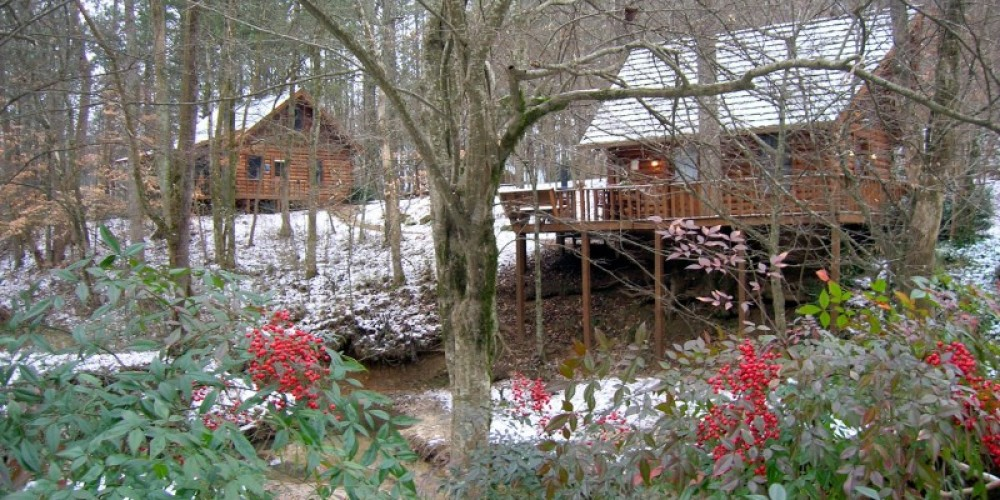 Ivy Cottage and Creek Crest cabins
