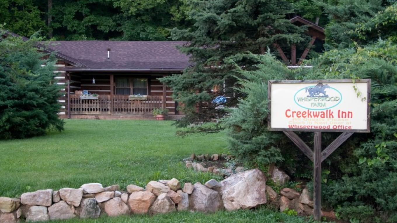The Creekwalk Inn provides a country retreat for your weekend getaway, romantic honeymoon or long-awaited vacation.
