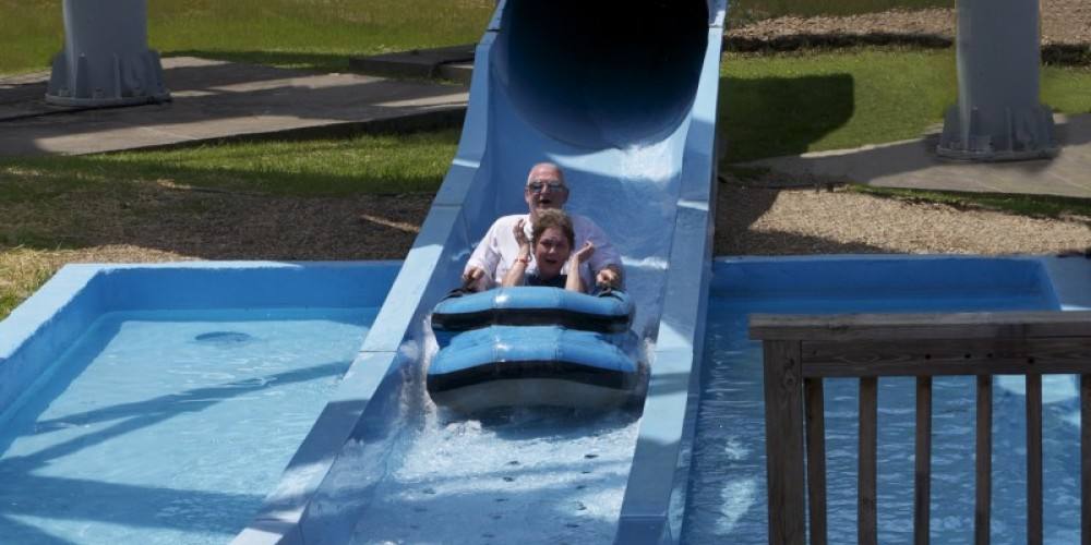 A ride down the Blue Cyclone to cool off in the Summer! – Ober Gatlinburg