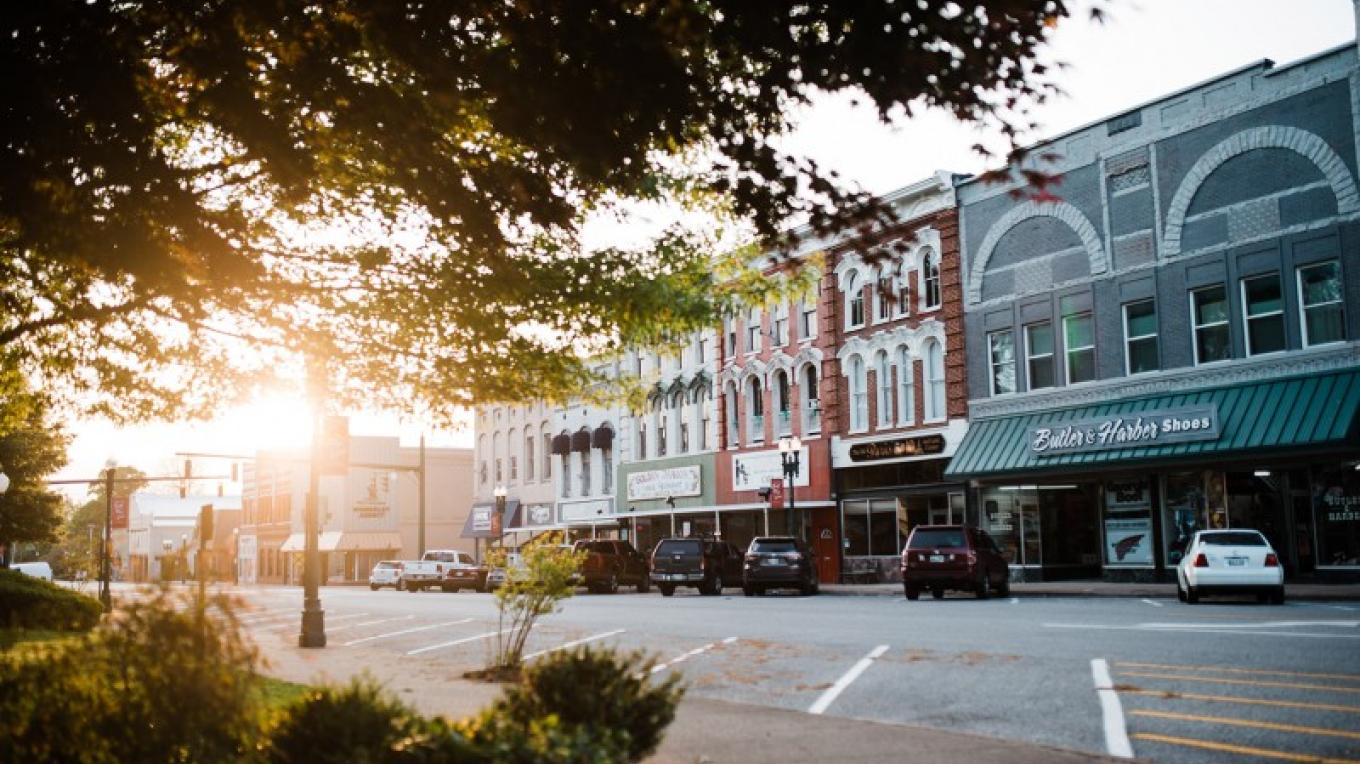 Downtown Paris, Tennessee – Cari Griffith