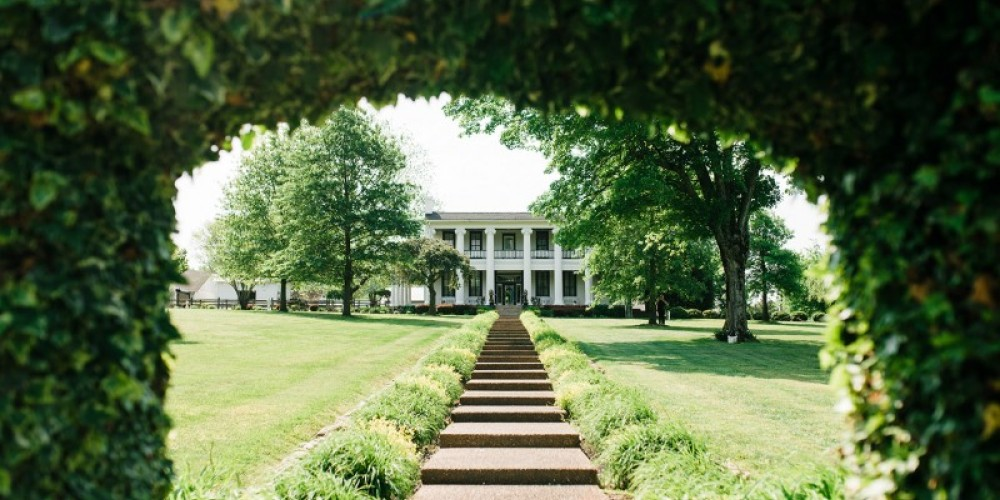 Loretta Lynn's Mansion – Cari Griffith