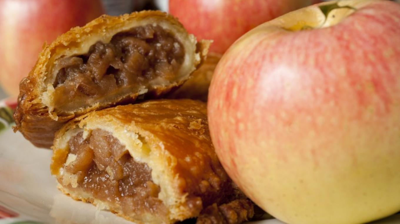 You can almost smell the warm fried pie goodness. – Tennessee State Photography