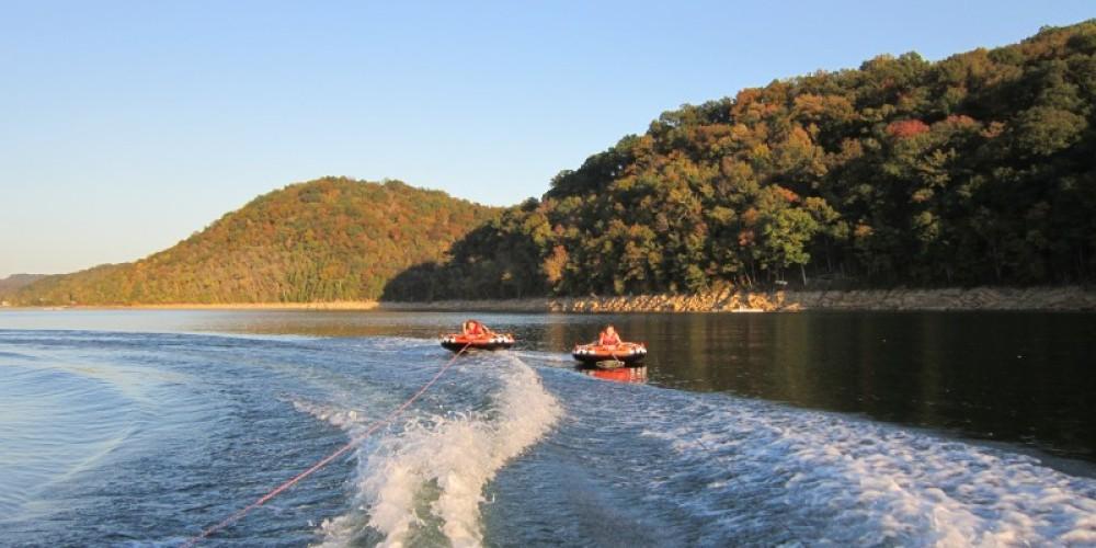 Ski Boat, Pontoon, and Tube rentals