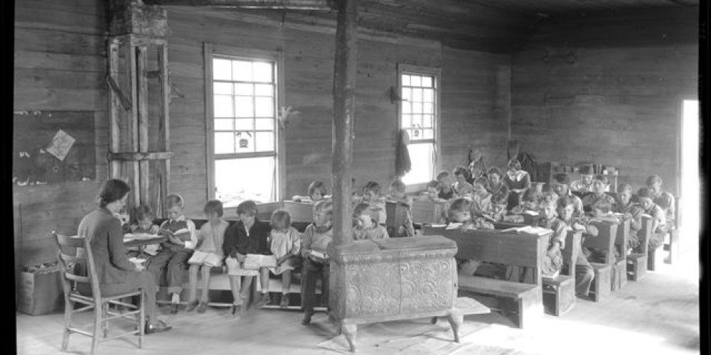 School inside the Loyston school house / church. – Lewis Hine
