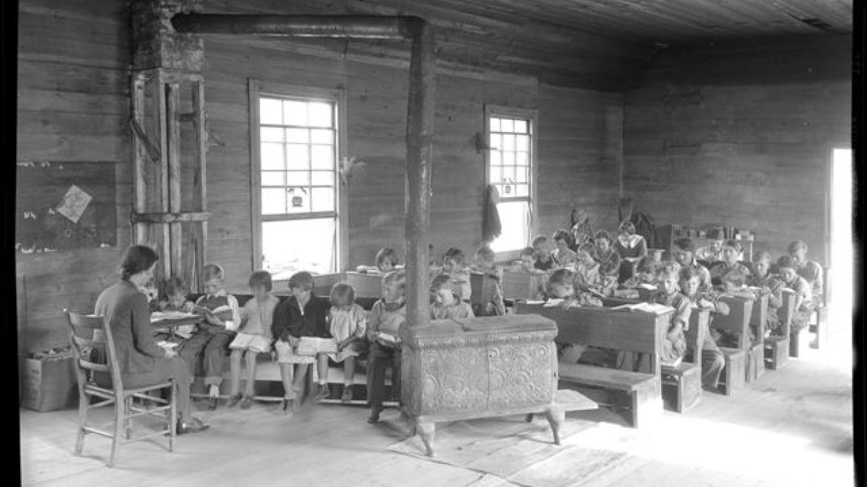 School inside the Loyston school house / church. – Lewis Hine