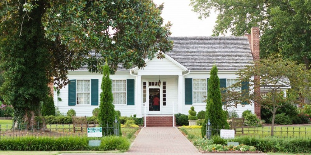 The birthplace of Helen Keller is in Tuscumbia, Alabama. – Jackie Metcalf