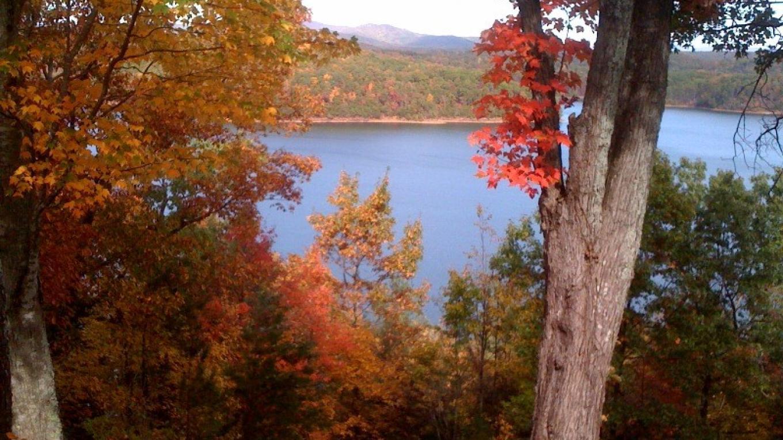 Carters Lake in fall