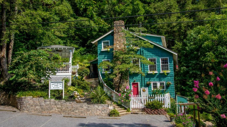 Laurel Springs Lodge Bed and Beakfast