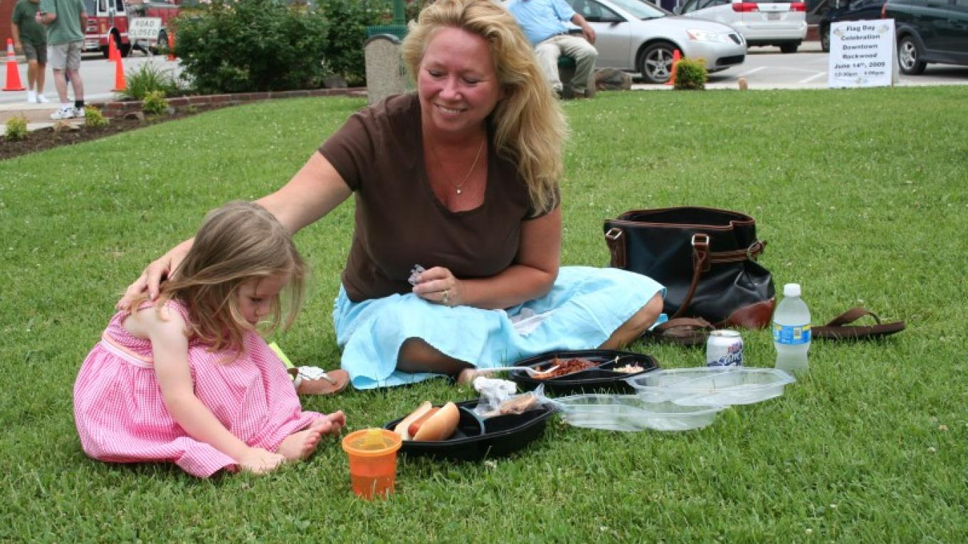Picnicking in the park – Pam May