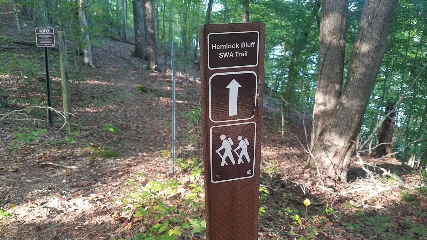 Hemlock Bluff trail traverses along the picturesque ridges and sheer bluffs of Norris Lake. – Mark Engler