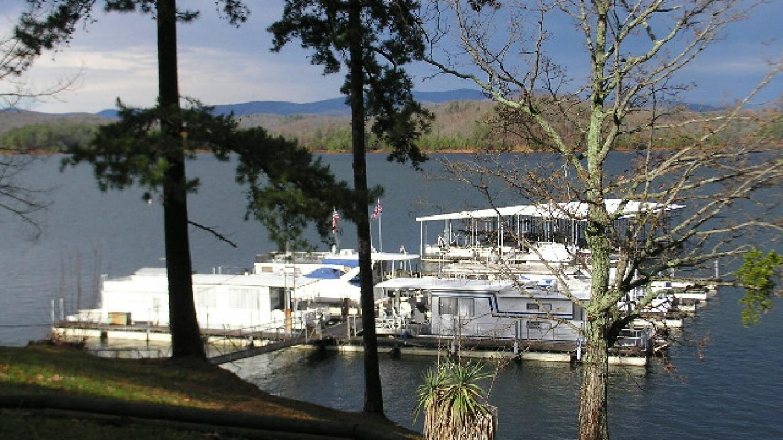Carter's Lake Marina