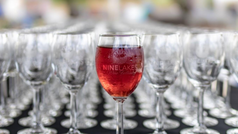 East Tennessee's premier lakeside wine festival – Scott Lukes