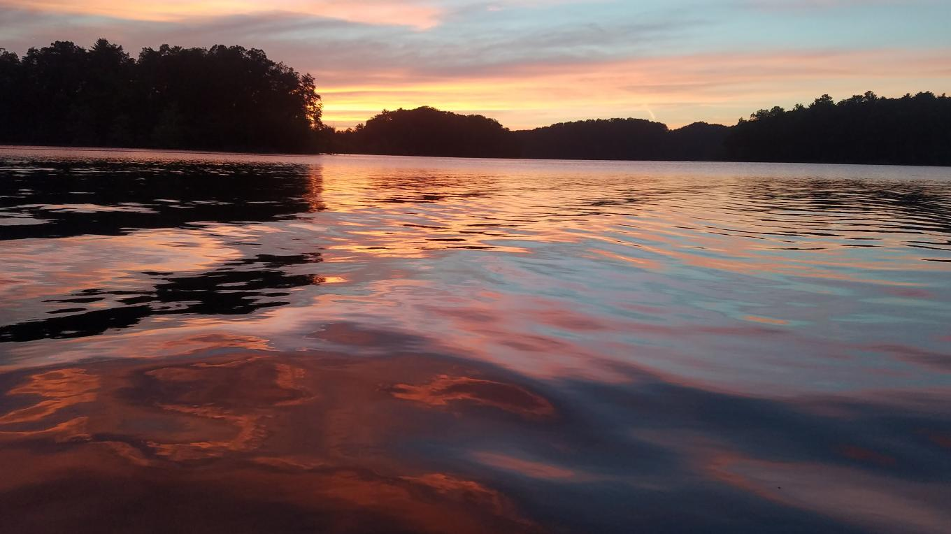 The sun never sets on the beauty and serenity of South Holston Lake.