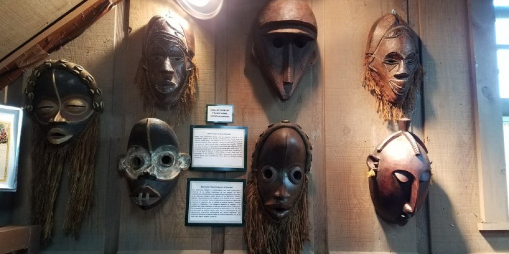Mask on display. – Ancient Wars Museum