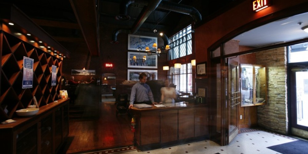 Come on in and have a great meal - Big River Grille – Chattanooag CVB
