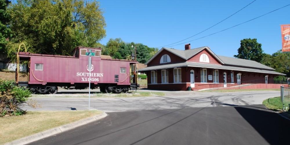 Loudon Depot – Aimee Pangle