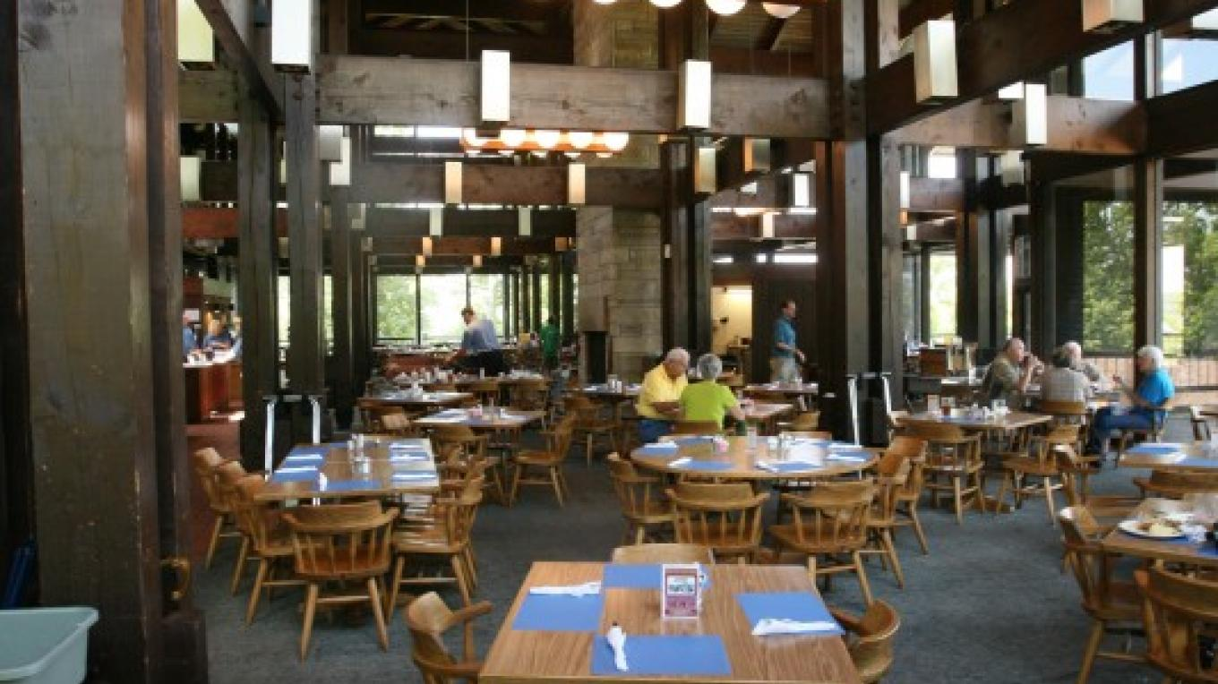 The only things better than the surroundings is the food! – Lake Barkely State Resort Park