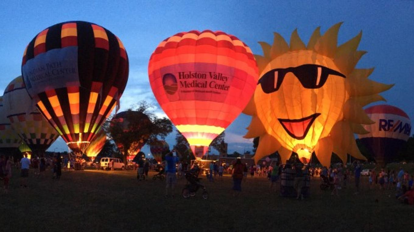 Hot Air Balloon Glow at Fun Fest – Visit Kingsport