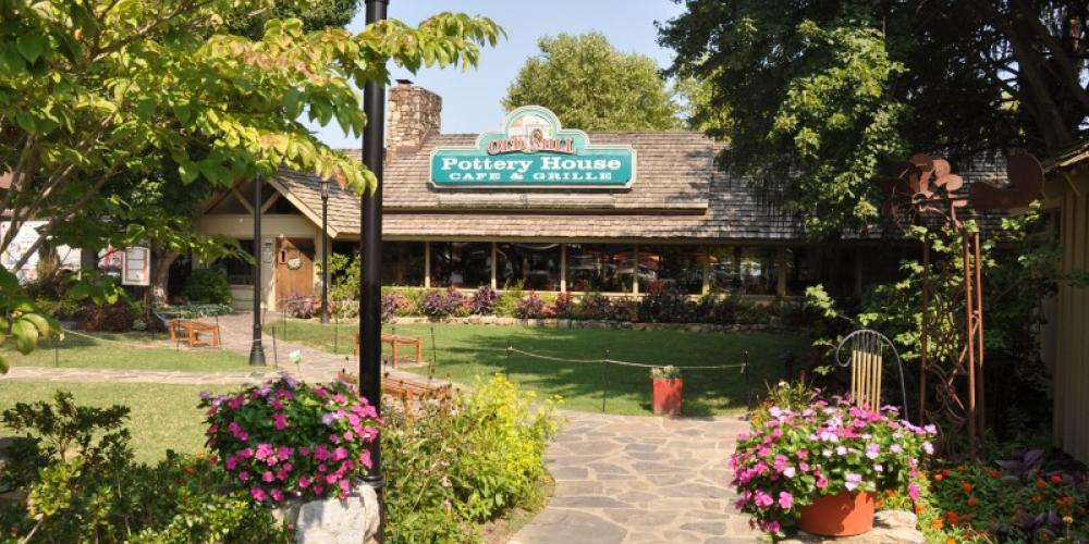 The Old Mill Pottery House Café & Grille