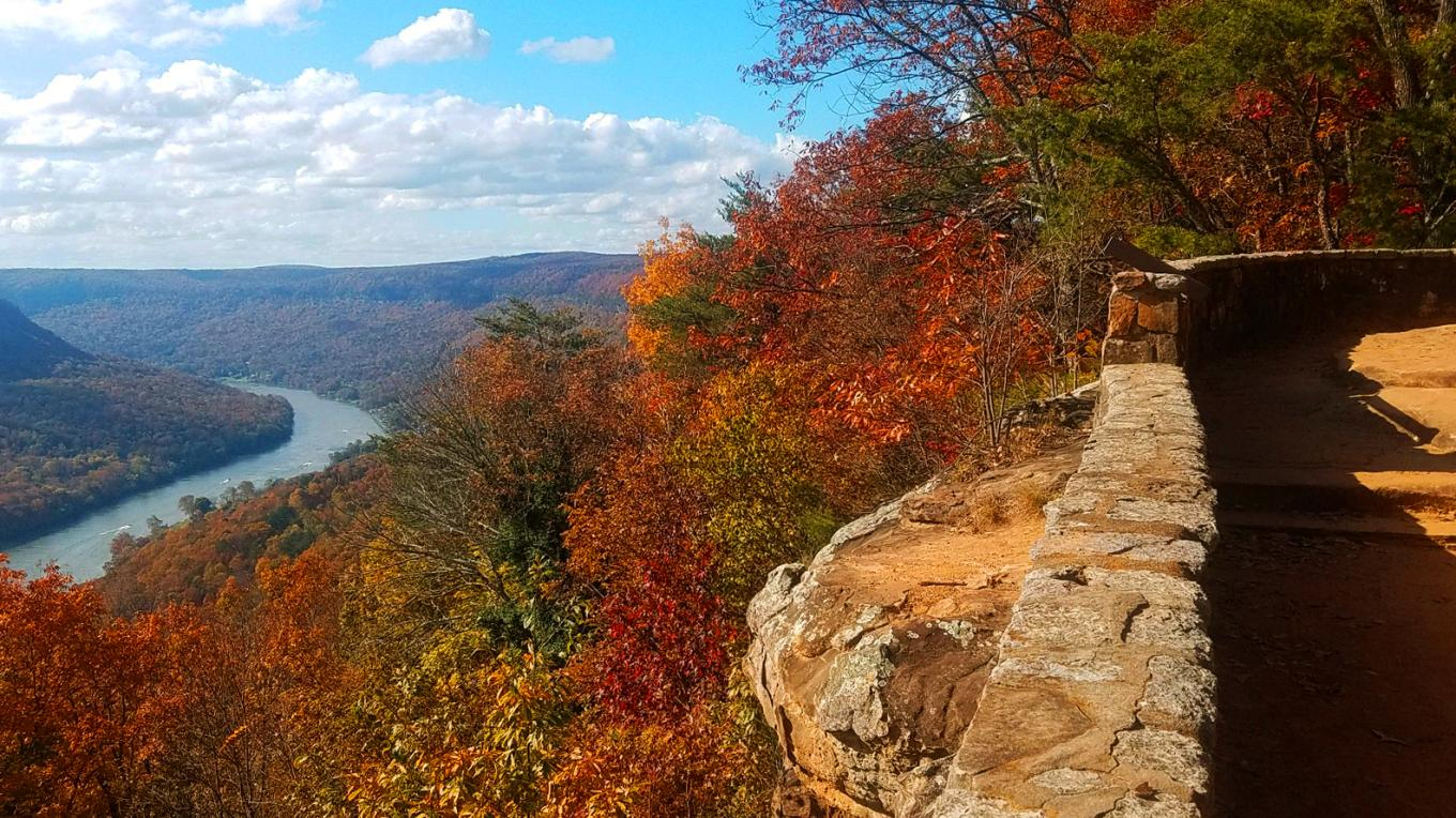 Signal Mountain overlooking the Tennessee River Gorge. – Mark Engler