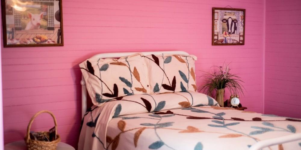Enoch's Farm House Inn Bed and Breakfast – Cari Griffith